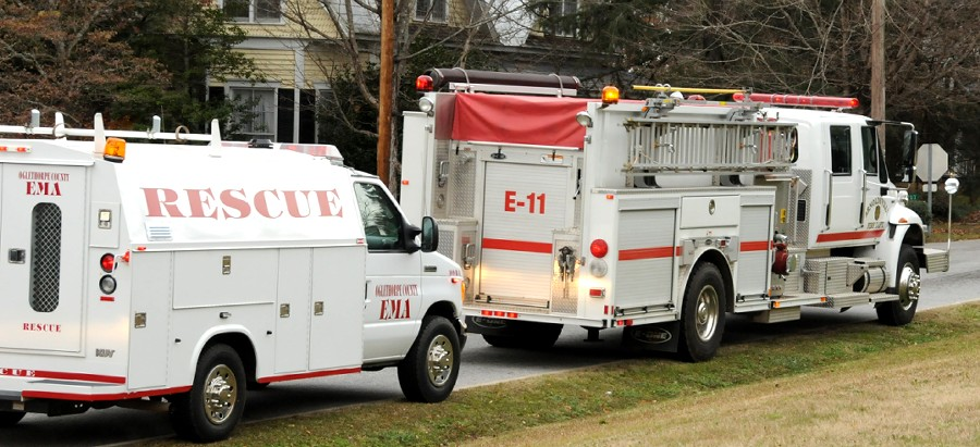 12 December 2009 Smokey Road Parade: Arnoldsville&#8217;s New Rescue Pumper and an Oglethorpe County Rescue Vehicle